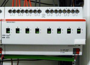 ABB Schaltaktor mit Strommessung SA/S 8.16.6.1